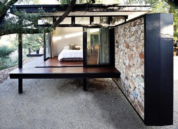 Современный павильон со стальной рамкой