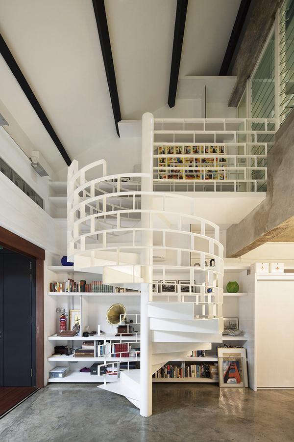 Индустриальный выразительный дизайн, демонстрирующий геометрические формы и объемы
