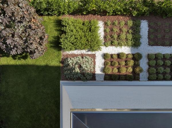 Концептуальный дизайн и игривая геометрия: Дом RGR в Италии