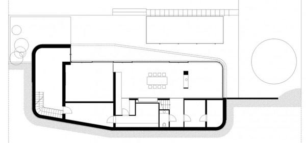 Жизнеспособный особняк в белых тонах, Австрия