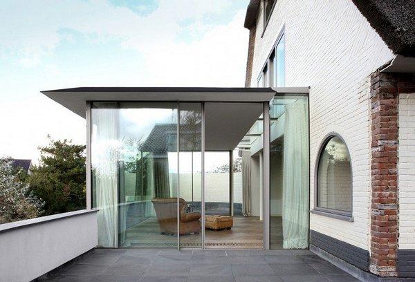 Прекрасный дом с соломенной крышей в Нидерландах: Дом N