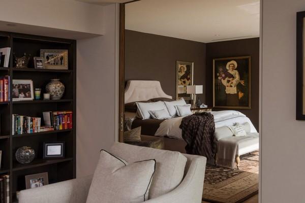 Роскошный дом в Беверли Хиллз, характеризуемый теплотой и индивидуальностью