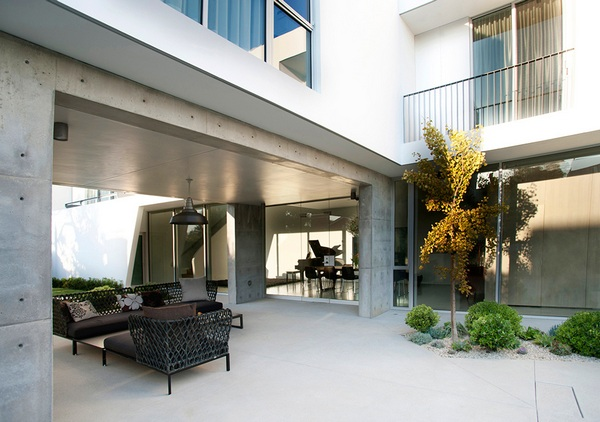 Белоснежный современный дом в Калифорнии