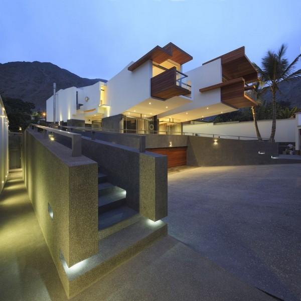 Современная архитектура: 3D объемы, определяющие внешний облик дома в Перу