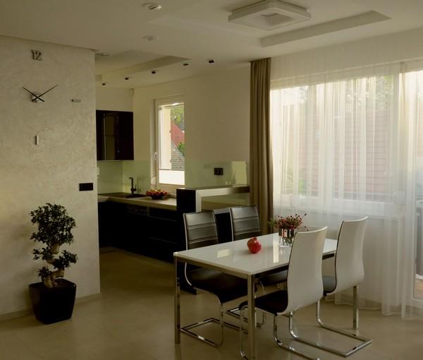 Современный интерьер, продемонстрированный в большой квартире в Будапеште