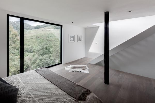 Дом для уик-энда, гармонирующий с природой