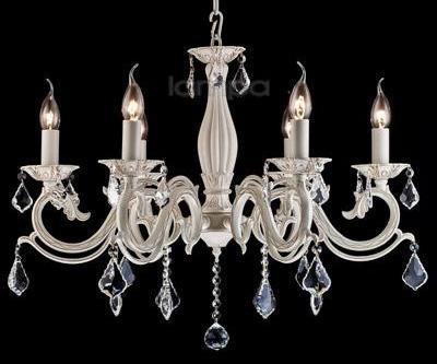 Люстра со свечами, как центральный элемент декора