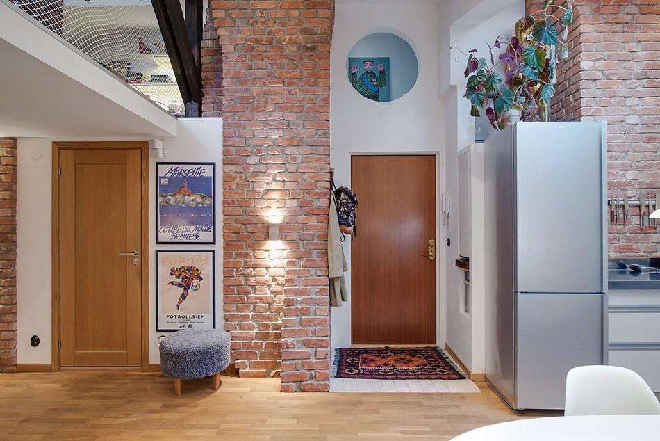 Радостная аттическая квартира
