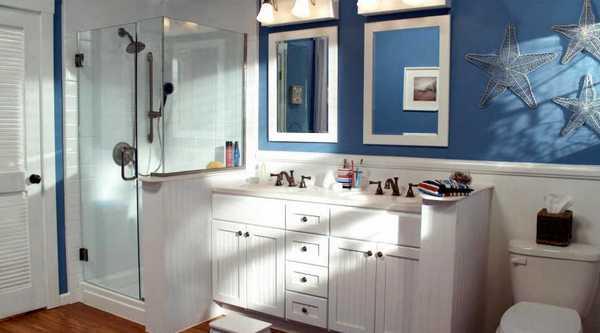 Интерьер ванной комнаты в морском стиле