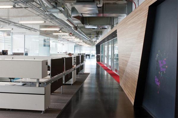 Новый Google / You Tube офис в Беверли Хиллз, изобилующий цветом