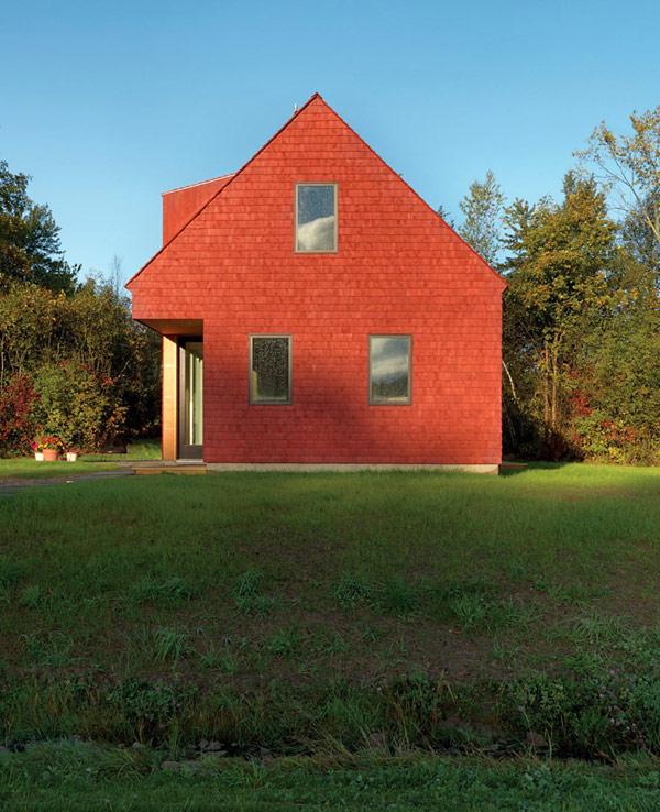 Оригинальный сельский дом, предлагающий комфорт и уединение