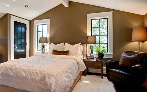 Изящная резиденция на шесть спален, украшенная дубами и пышной растительностью
