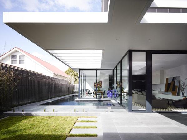 Чистота современного пространства в Австралийской резиденции