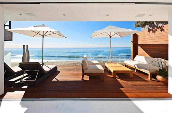 Современный дом на пляже Малибу