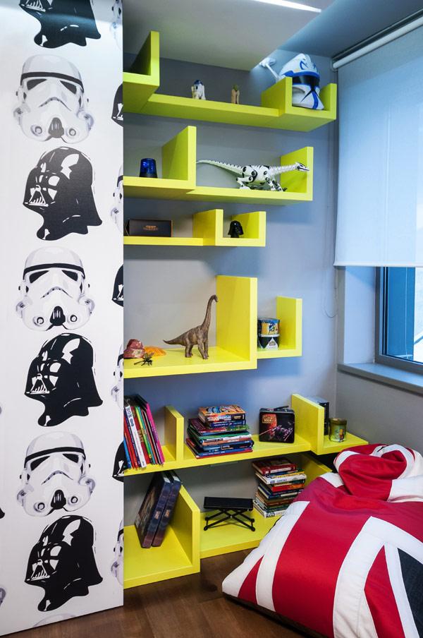 Воодушевляющие спальни для мальчика и девочки в современном словацком доме