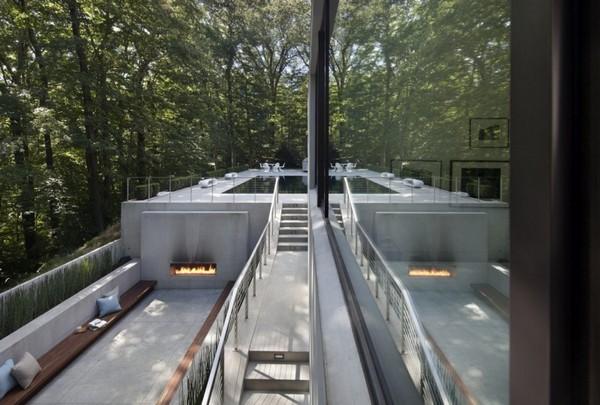 Шикарный жилой павильон, окруженный вековыми деревьями