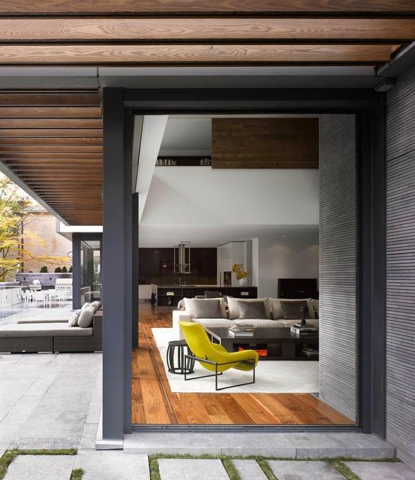 Награжденный современный дом с красивым садом в Торонто, Канада