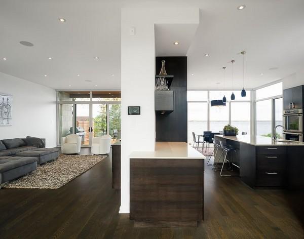 Тщательно организованные внутреннее и наружное пространства: Дом у реки Оттава