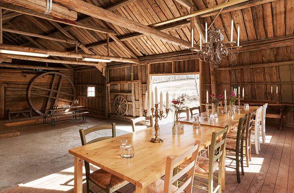 Очаровательный деревенский дом в окружении лесов и лугов в Швеции