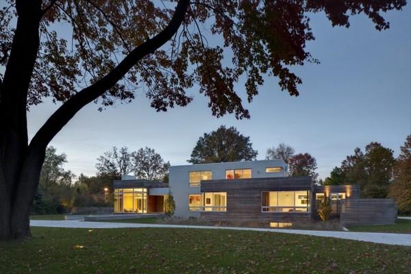 Внушительный современный дом в Огайо демонстрирует удивительные дизайнерские идеи