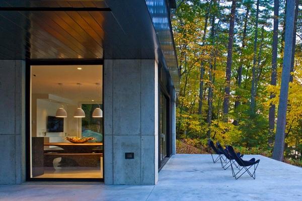Современный оазис в Вермонте: вдохновляющий консольный дом у озера