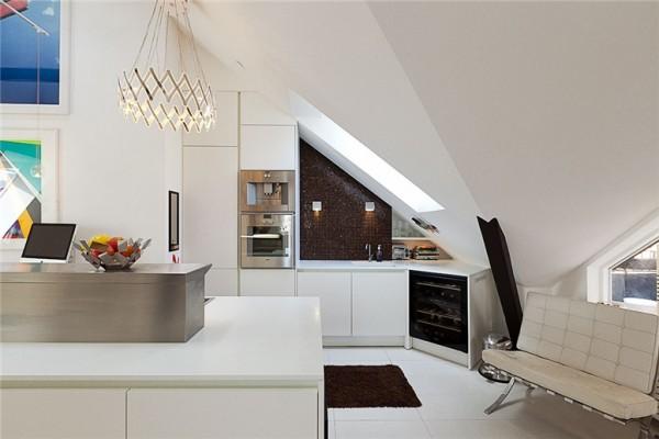 Просторная шведская квартира впечатляет своей элегантностью и прекрасным видом на город