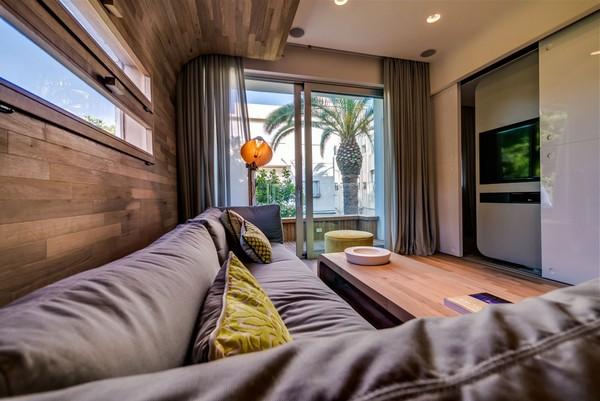 Игривая компактная квартира в Тель-Авиве с повышенным  творческим потенциалом